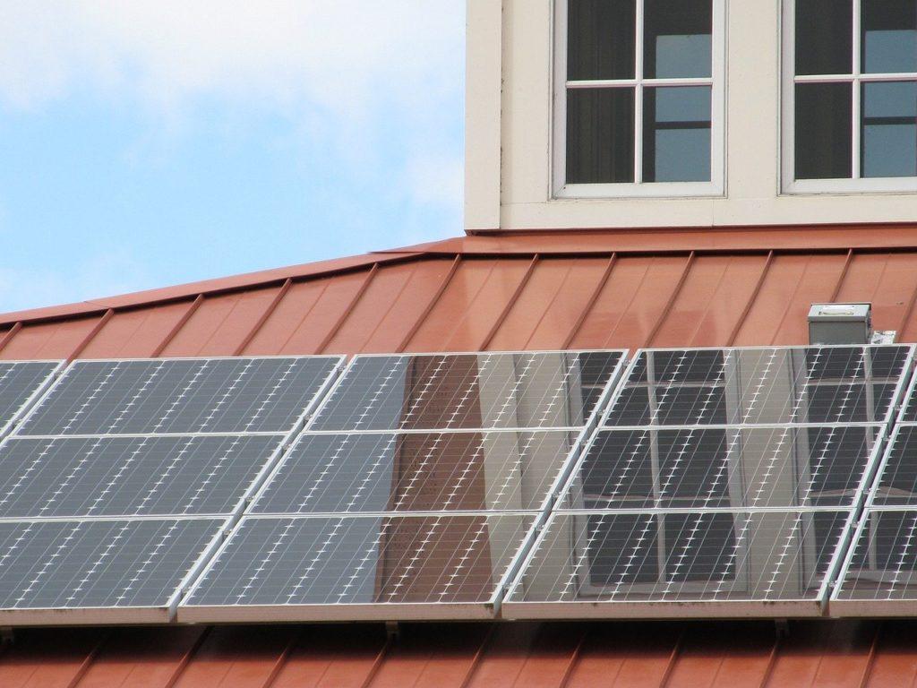 公務員が副業で不動産投資・太陽光発電をしても懲戒処分にならない?